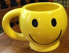 YELLOW SMILEY HAPPY  FACE CUP MUG