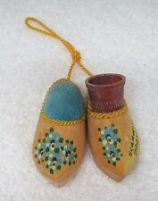 Vintage Dutch Shoe Souvenir Sewing Thimble Holder Pincushion Painted Flowers T30