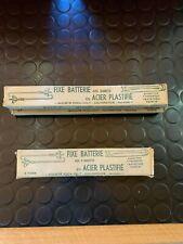 FIXE BATTERIE AVEC BARRETTE EN ACIER PLASTIFIE POUR PEUGEOT 203