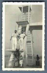 Asie, Jeunes hommes prenant la pose  Vintage silver print.  Tirage argentiqu