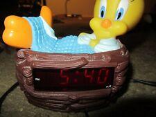 VTG 1996 Tweety Bird Digital Alarm Clock Looney Tunes Sleeping Nest Tested Works