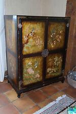 Très beau meuble TV en laque de chine avec décorations florales