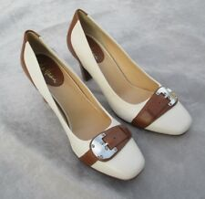 LOVELY COLE HANN CLASSIC WHITE AND BROWN LEATHER SHOES / PUMPS SIZE 9 B