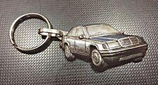 Mercedes MB Schlüsselanhänger 190 silbern relief - Maße Fahrzeug 50x27mm