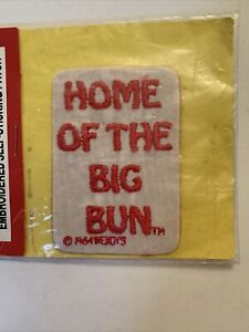 """Wendy's. """"HOME OF THE BIG BUN"""" - EMBROIDERED PATCH 1984 Sealed NOS NIP"""