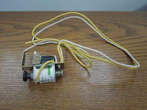 Cutler Hammer/Eaton Shunt SNT2P11 110-240VAC/ 110-125VDC J Frame Breaker Used