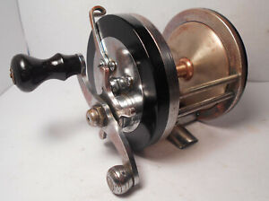 Vintage Pflueger CAPITOL No. 1989 Saltwater Conventional Fishing Reel