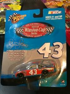 2003 Richard Petty 1/64th Victory Lap Winston Cup Champion Dodge Winner's Circle