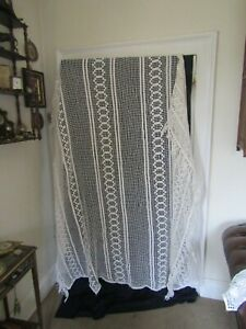 """PRETTY ANTIQUE FRENCH  LACE BEDSPREAD THROW WITH TASSELS  A/F 74"""" W X 60"""" L + 10"""