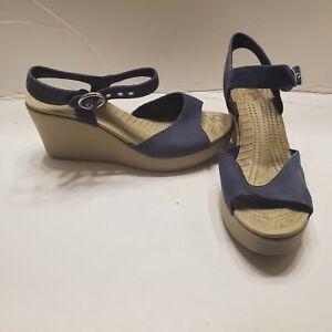 Womens crocs wedge Heel sandals Size 8 beige