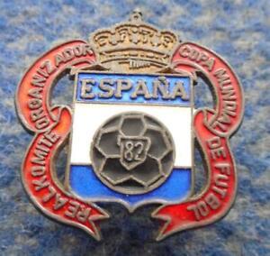 FIFA WORLD CUP FOOTBALL SOCCER SPAIN ESPANA 1982 RARE SCREW PIN BADGE