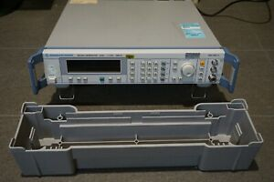 Rohde & Schwarz SML01 Signal Generator 6kHz - 1.1GHz -1090.3000.11 SML-B3 Option
