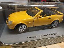 1:18 Maisto Mercedes SLK 230 JAUNE SPECIAL EDITION 31842