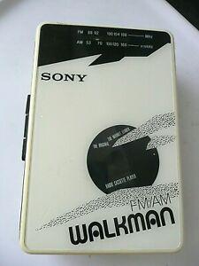 SONY WALKMAN BF-22 RADIO CASSETTE PLAYER.