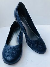 693cdef860f Ladies MARCO TOZZI Size 4 Navy Blue Low Wedge Pumps Round Toe Floral Pattern