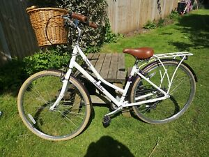 Victoria Pendleton Somerby Ladies Dutch Style bike in good condition + Extras