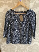 Blue/White Print DKNY 3/4 Sleeve Top SIZE 8 UK VGC