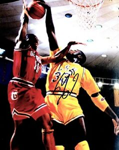 Shaquille O'Neal - SHAQ ONeal Signed - Autographed LSU Tigers 8x10 inch Photo