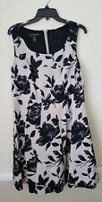 NEW INC International Concepts Woman 14W Flower Shop dress. Black gray floral
