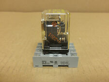 SQUARE D RELAY 8501 KP12V14 2 POLE 10 AMP 250V W/SOCKET NR51