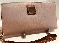 NWT*Dooney & Bourke*OYSTER*Pebble Leather*Large Zip Wallet*19025B S218