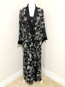 Judith Hart Fine Intimate Apparel Black & White Nightgown and Robe Set (Size 1X)