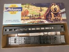 Ho Scale Athearn 1810 Undecorated Streamline Coach Kit