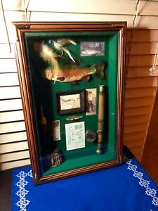 Retro Style Fly Fisherman Trout Flies Lures Glass Wood Shadow Box Man Cave CLEAN