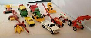 HUGE LOT JOHN DEERE ERTL 1/64 TRACTORS PU TRUCKS TRAILERS FARM IMPLEMENTS VTG