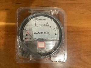 """New! Dwyer Magnehelic Differential Pressure Gauge,0-15"""" w.c. Model 2015"""
