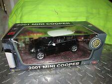 2001 MINI COOPER  1/18 BLACK W /WHITE ROOF MOTOR MAX