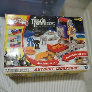 Play Doh Transformers Dark of the Moon Autobot Workshop COMPLETE Hasbro 2010