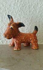 Kleiner Hund porzellan oder  Keramik.Marke unbekannt.10 cm hoch.