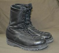 Used Canadian military combat boots size 7 1/2 ( 255/96 ) ( Z16 )