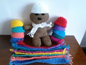 """HAND KNITTED CAP/HAT/BEANIE  AND 7"""" SCARF VARIOUS COLOURS FOR YOUR  TEDDY BEAR."""