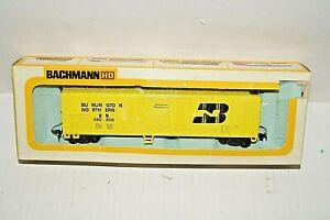 Bachmann 1120 Burlington Northern Yellow Reefer Car BN 590508 HO w Box
