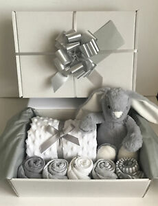 Unisex Baby Gift Basket Hamper Maternity Baby Shower Gift New Born Baby Unisex