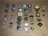 39 TEXAS SOFTBALL  PIN BADGE Texas