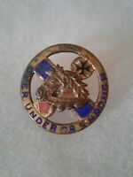 Authentic WWII US Army 104th Cavalry Regiment DI DUI Crest Insignia
