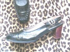 ROGER VIVIER FRENCH 1960s ICONIC PUMPS~ BLACK PATENT LEATHER ~PERFECT VINTAGE~ 7