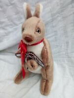 Large Plush Soft Toy Kangaroo and Joey in Pouch With Boomerang NEW