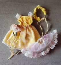VINTAGE BARBIE SKIPPER FLOWER GIRL OUTFIT #1904 Yellow Dress Bouquet 1960's