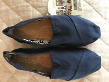 Toms classic canvas Navy size 7