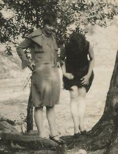 ANTIQUE VINTAGE FLAPPER AMERICAN RISQUE LADIES LEG STOCKINGS UPSKIRT OLD PHOTO