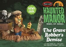 Polar Lights 976  Haunted Manor The Grave Robber's Demise diorama model kit 1/12