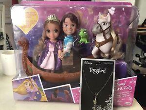 NIB Disney Princess Petite Rapunzel & Flynn Doll Storytelling Gift SET &NECKLACE