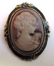 broche rétro bijou vintage noir et or camée buste de femme violine 3348