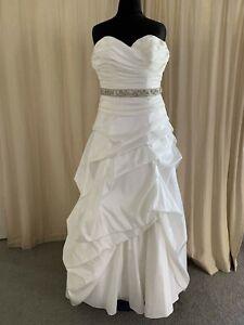 Mori Lee size 18 ivory wedding dress with srunning belt style 4163 New