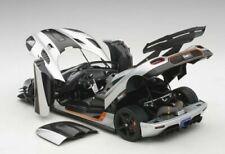 Auto di modellismo statico grigi AUTOart