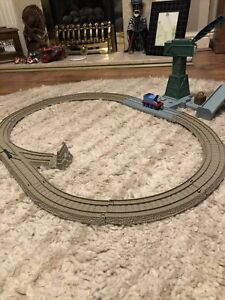 Thomas And Friends Plastic Train Playset With Track And Magnetic Train